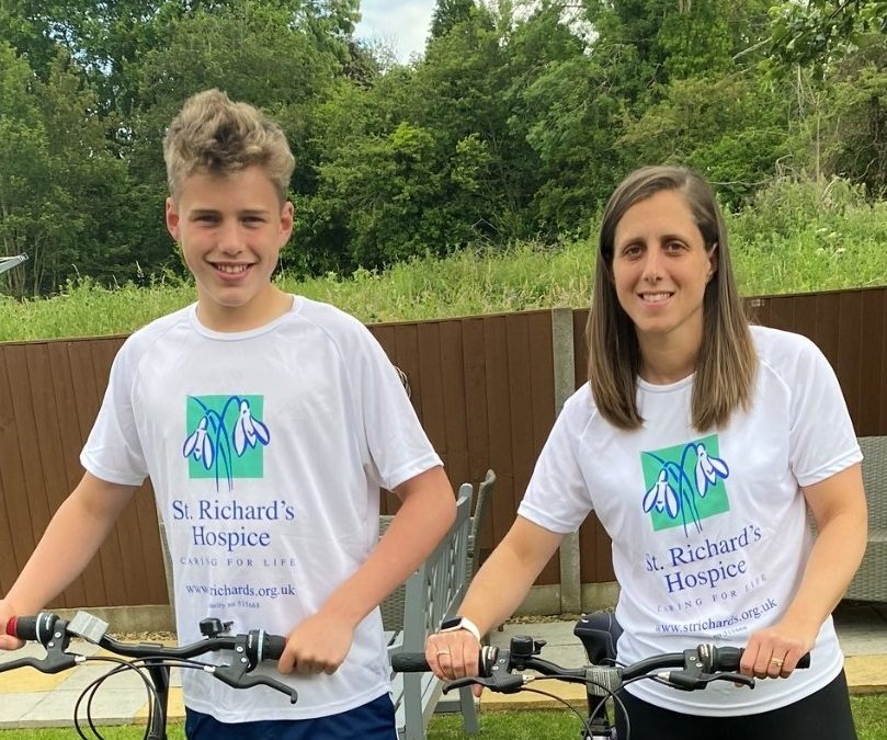 Duo take on cycling challenge for hospice